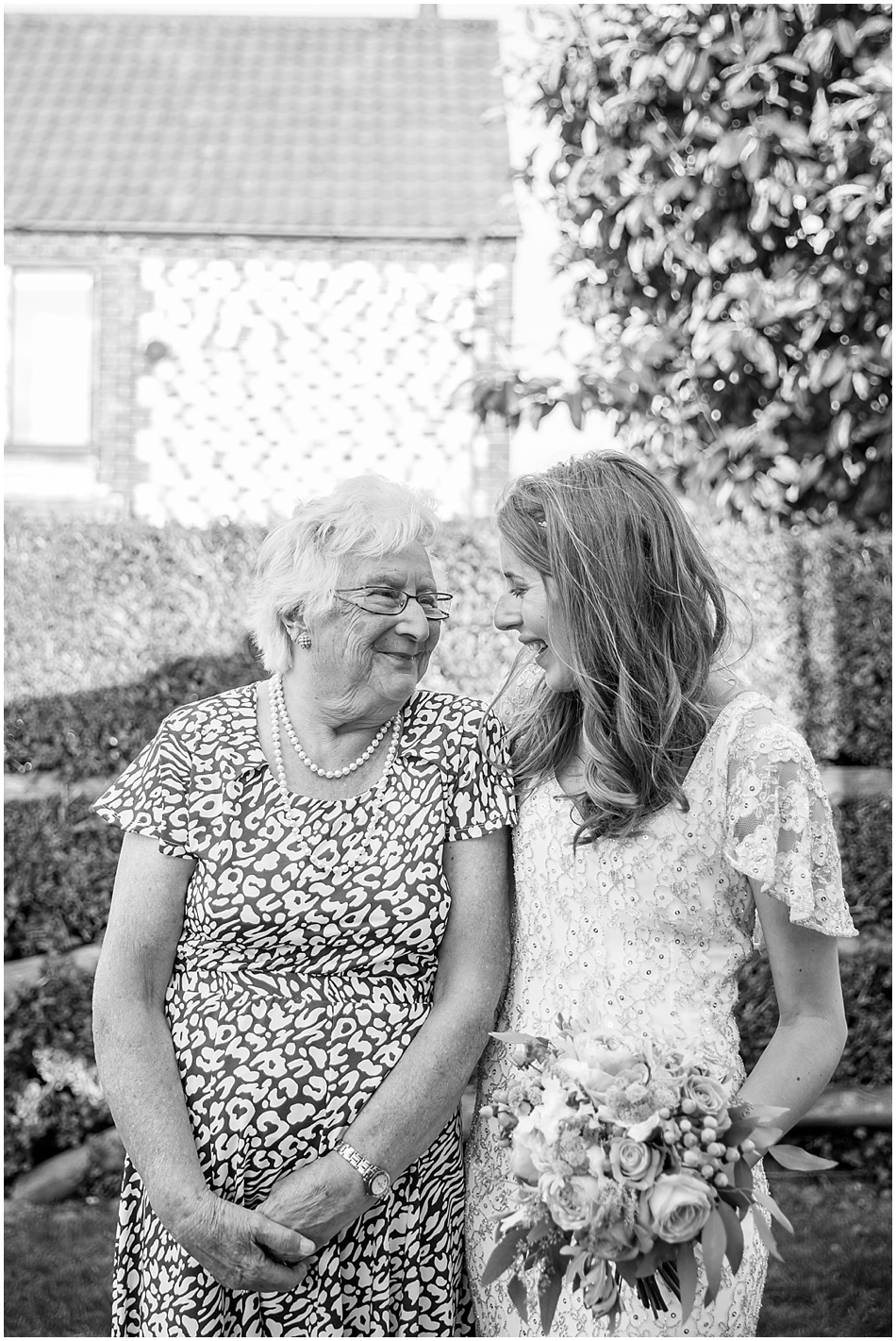 titchwell-manor-wedding-photography_074