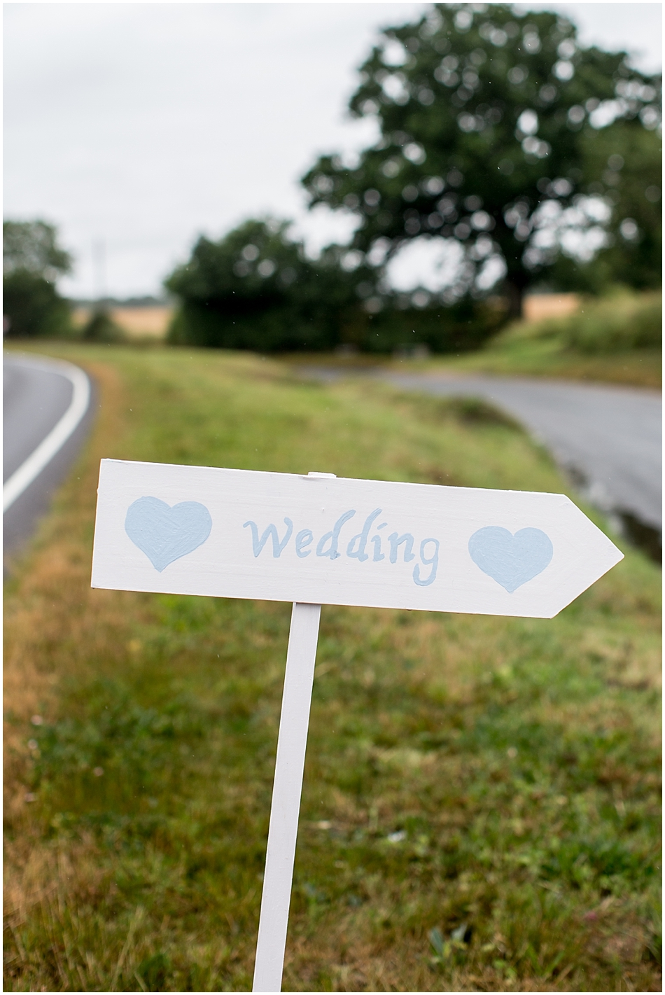 hales-hall-barn-wedding_001