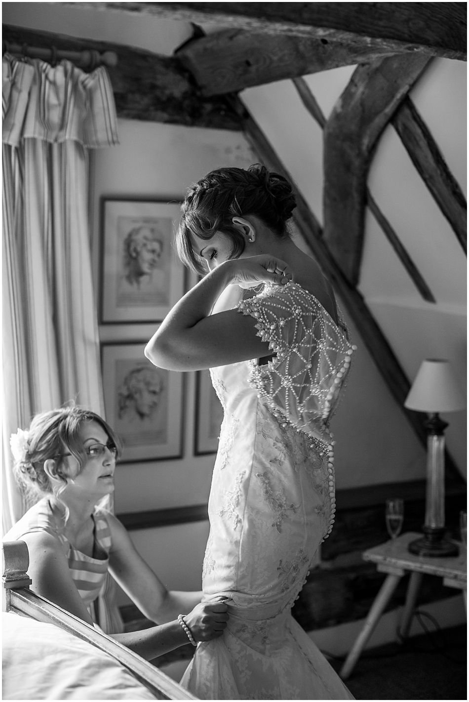 hales-hall-barn-wedding_021