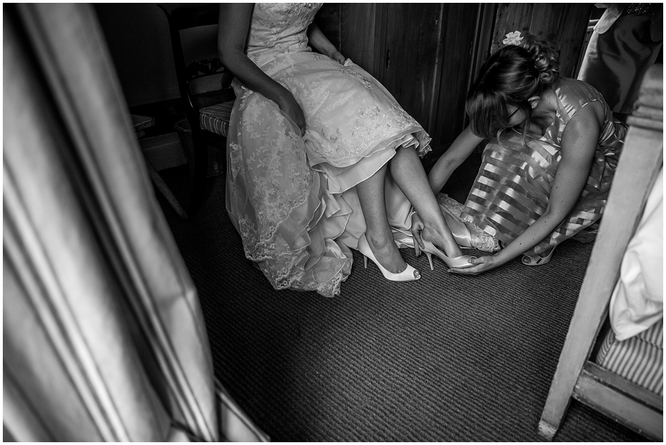 hales-hall-barn-wedding_024