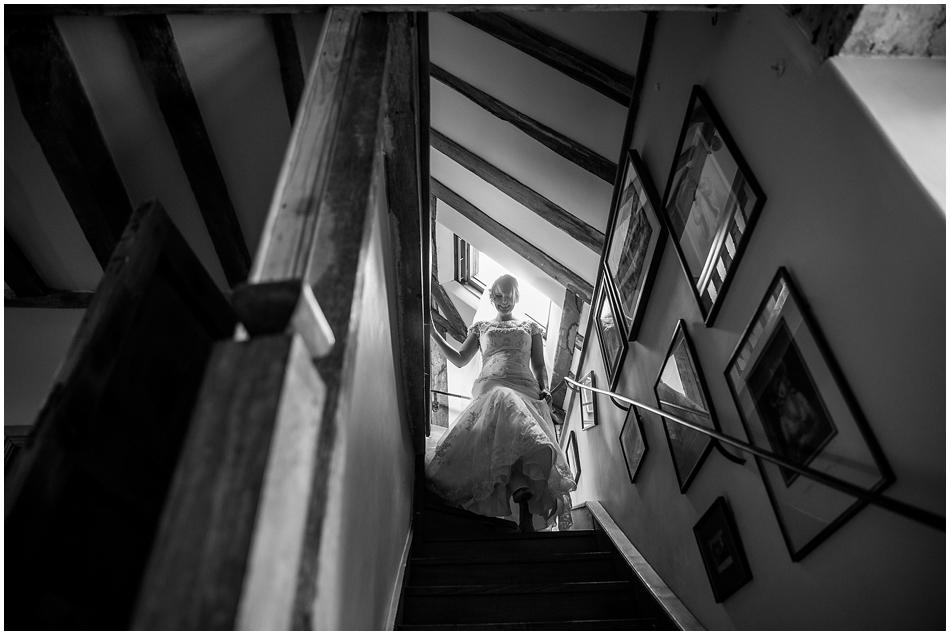 hales-hall-barn-wedding_026