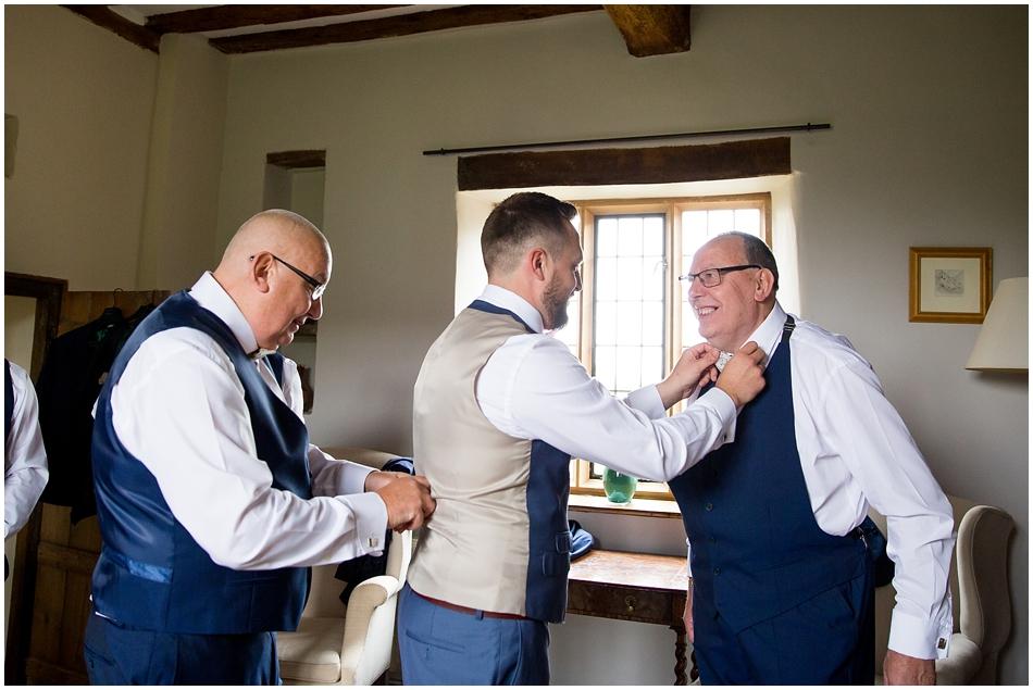 hales-hall-barn-wedding_035