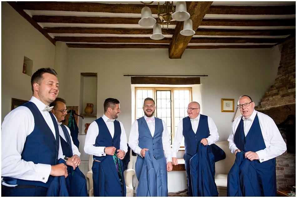 hales-hall-barn-wedding_036
