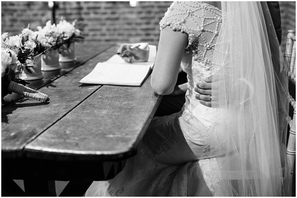 hales-hall-barn-wedding_048
