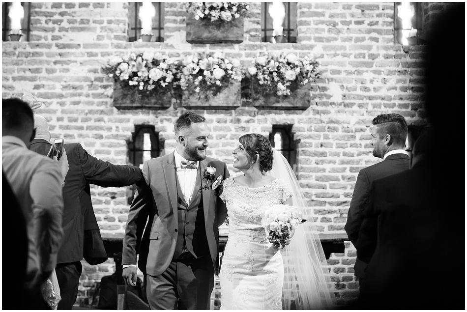hales-hall-barn-wedding_049