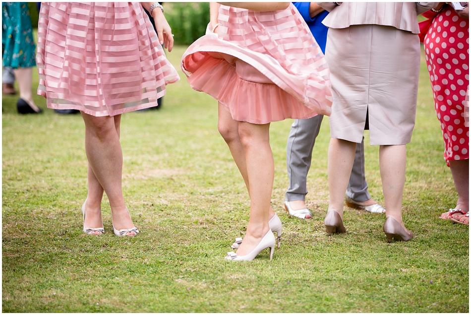 hales-hall-barn-wedding_061