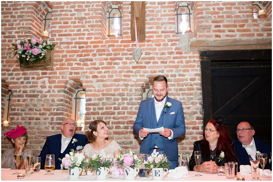 hales-hall-barn-wedding_083