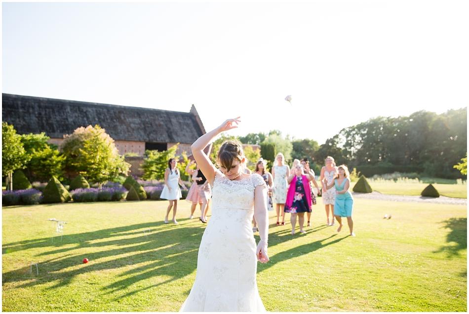 hales-hall-barn-wedding_088