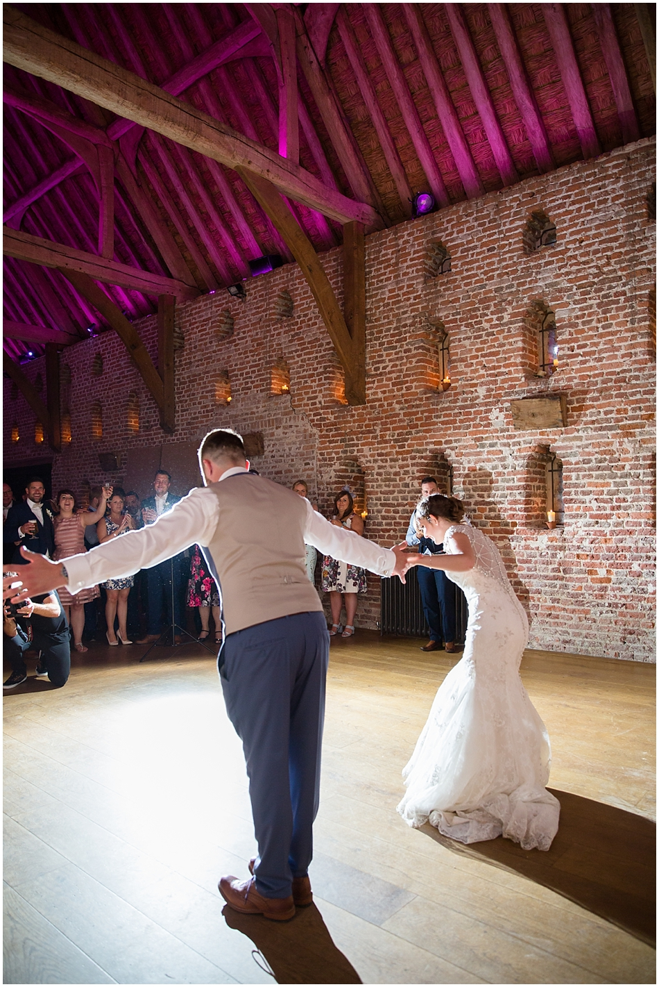 hales-hall-barn-wedding_100