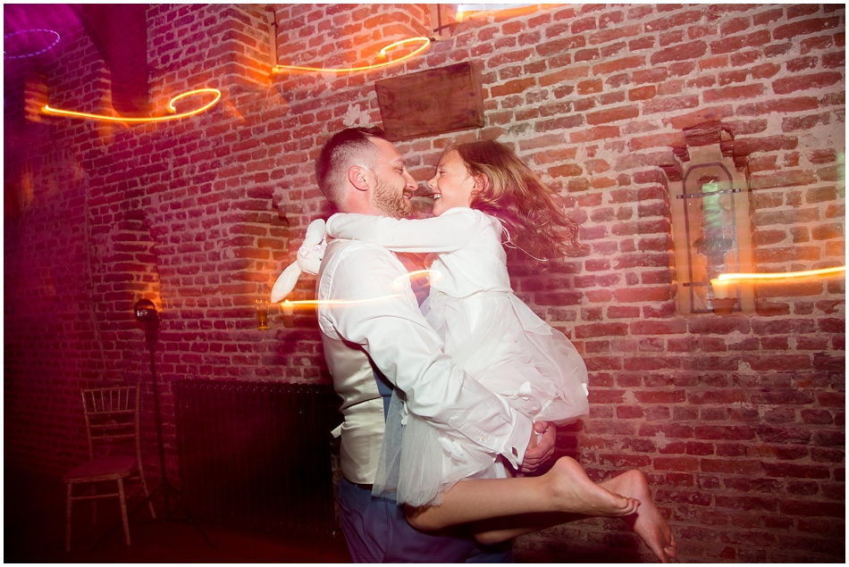 hales-hall-barn-wedding_103