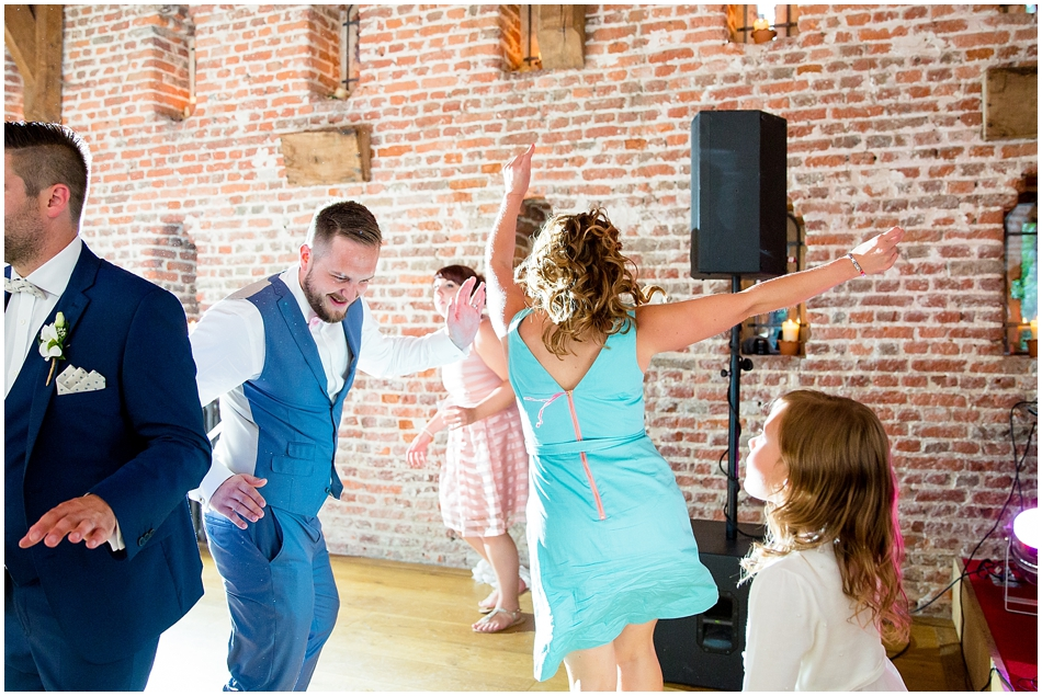 hales-hall-barn-wedding_106