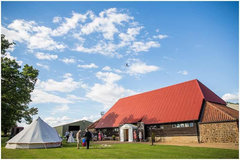 the-red-barn-wedding-photography_046