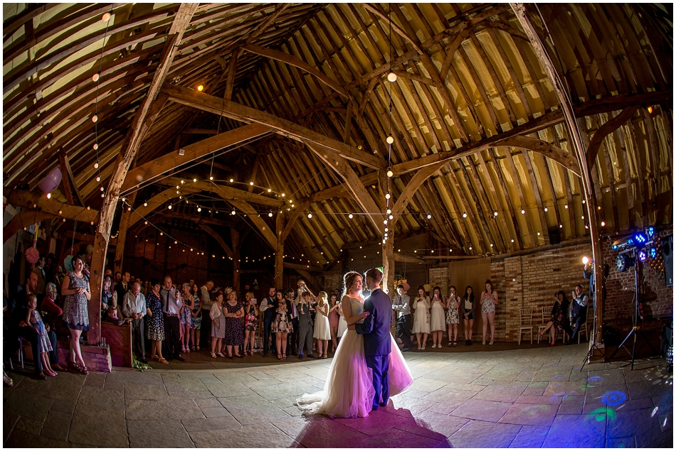 the-red-barn-wedding-photography_094