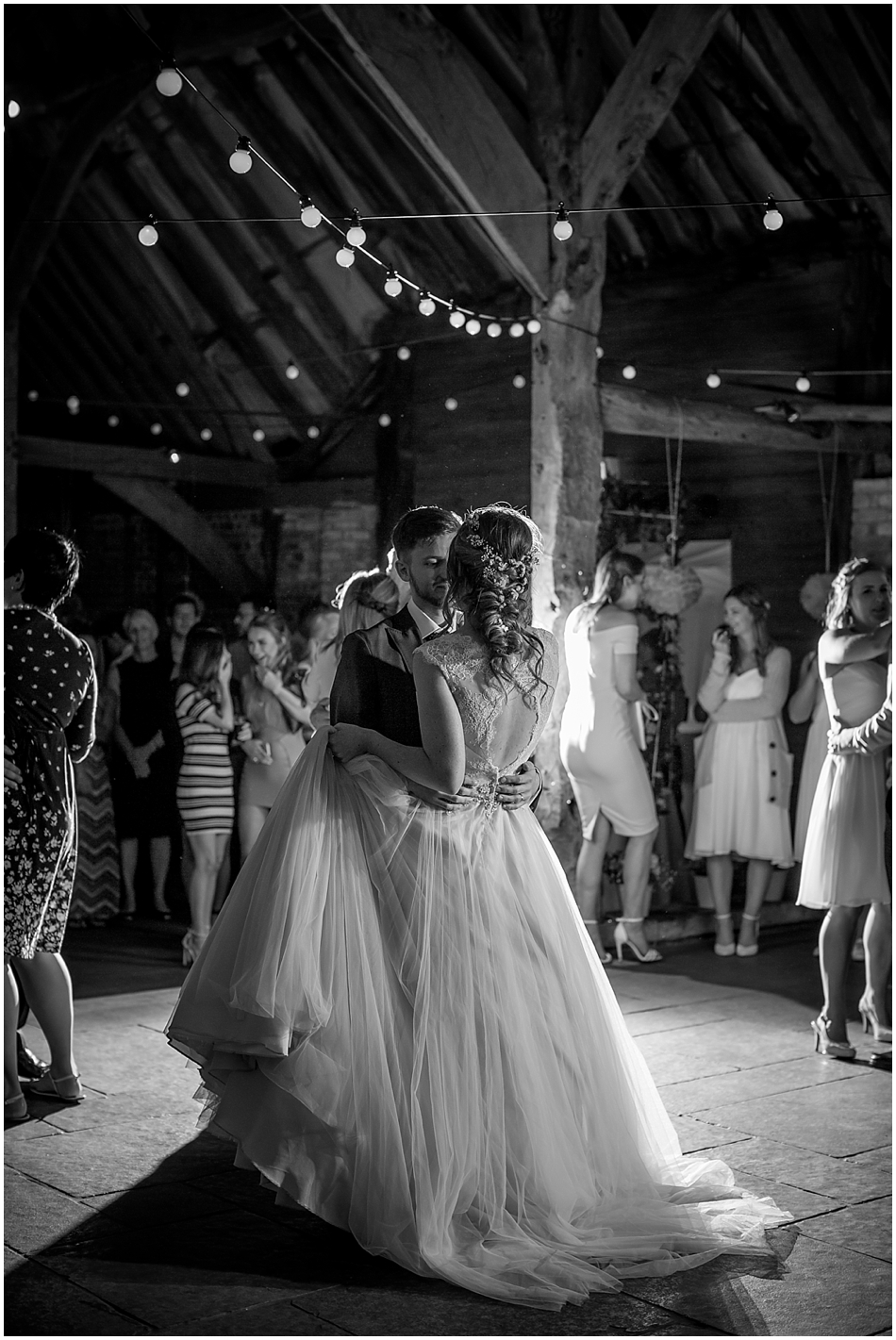 the-red-barn-wedding-photography_095