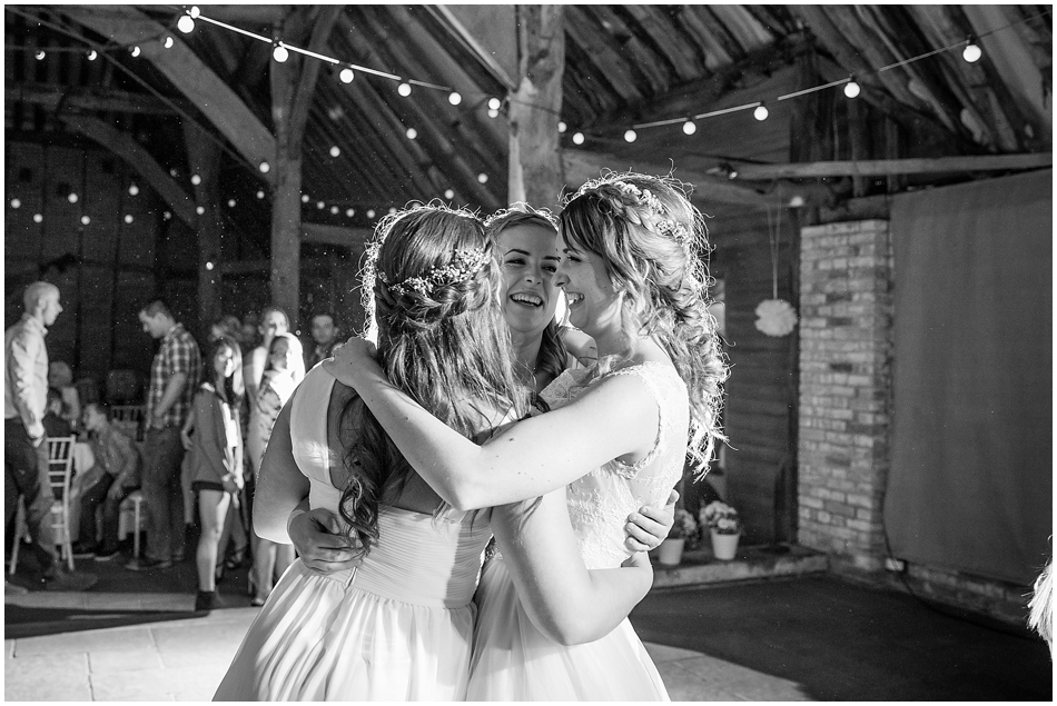 the-red-barn-wedding-photography_105